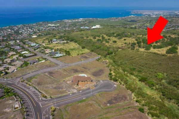 Development Opportunity 2 RM zoned parcels in the middle of Kailua-Kona. Adjacent to Kona Vistas Subdivision.   There are 2 parcels offered in this sale. TMK: 3-7-6-21-16 (37.94 Acres Zoned RM-5) and 3-7-6-21-17 (30.90 Acres Zoned RM-5).