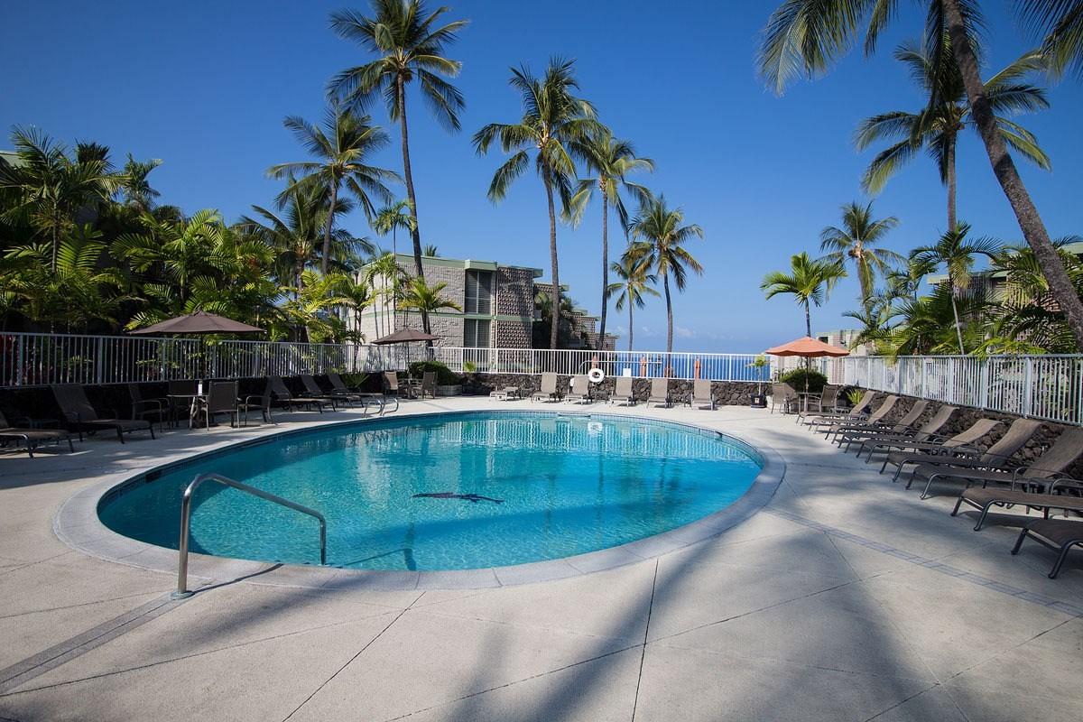 75-6016 ALII DR 205, Kailua Kona, HI 96740