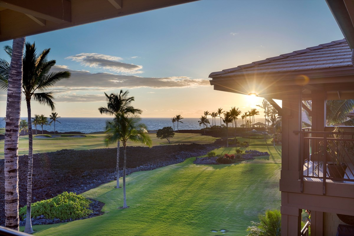 Halii Kai Unit 10F offers the largest floor plan available within this low density complex.  Featuring cathedral ceilings in the great room and wonderful finishes throughout, this townhome is located only two buildings from the ocean and offers fabulous mountain, golf course, and ocean views.