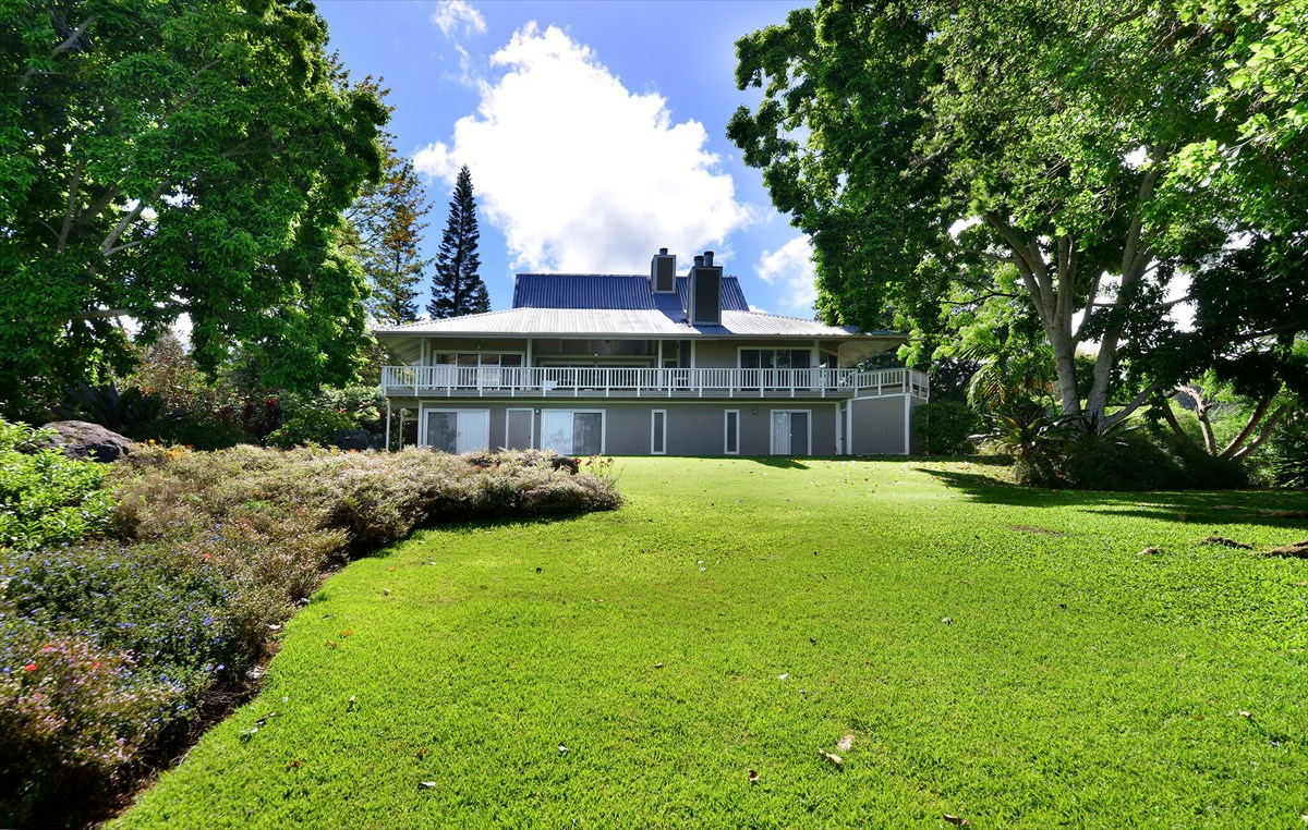 Robert Nespor designed Holualoa plantation style home on 2 acres. 3 Bedrooms, 3 Bathrooms, with a mezzanine area that can be used as an office space or rec room, two fireplaces, and a hot tub. Bonus bedrooms and bathrooms downstairs. This property is being sold